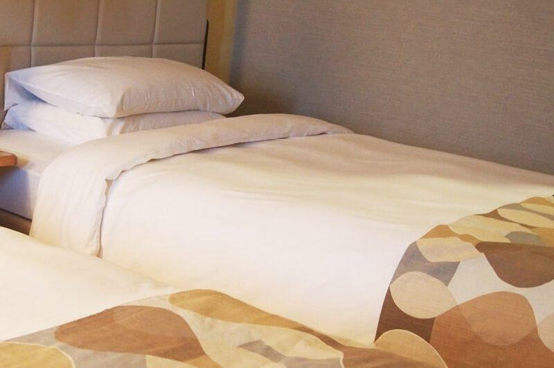 ホテルのベッドメーキング