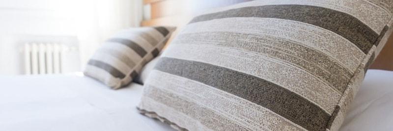 ストライプの枕