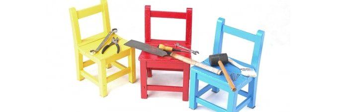 椅子の上のDIY道具