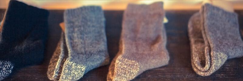 棚に並ぶ靴下
