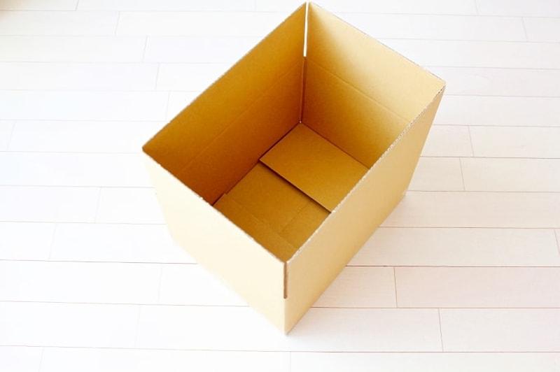 空の段ボール箱