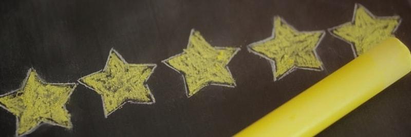 黒板に書かれた5つ星