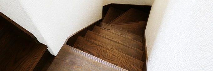 階段の曲がり角