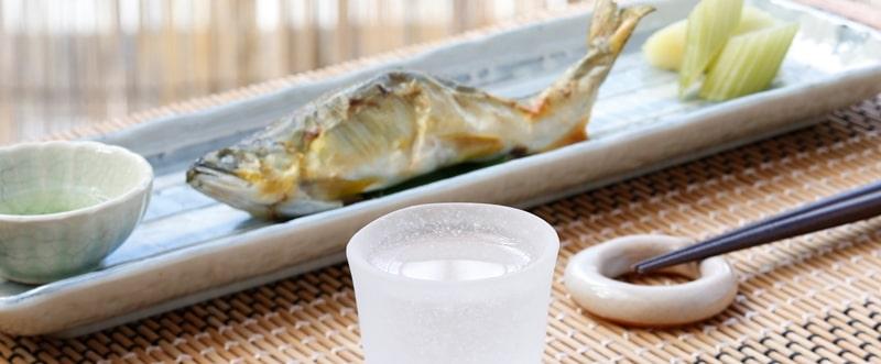 鮎とセロリと日本酒